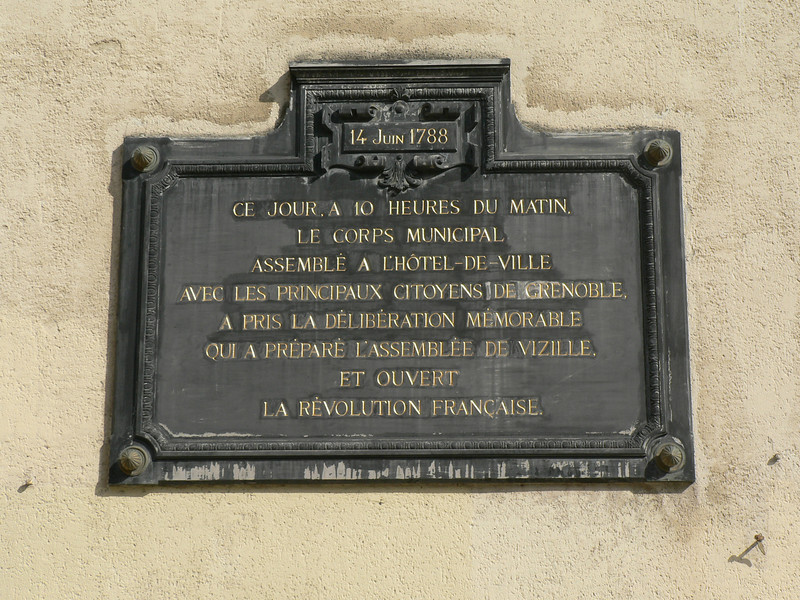 Plaque commemorating the start of the Revolution