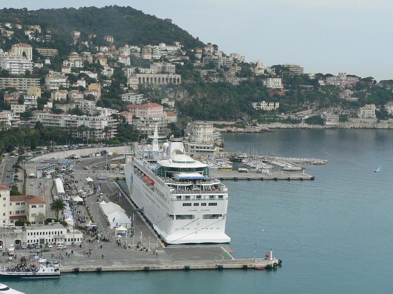 Cruise ship dominating Nice's port