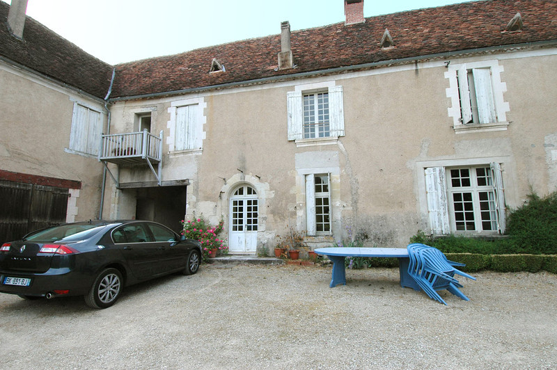 This is the chateau where we spent the week, generously loaned by friends of Jamie's.