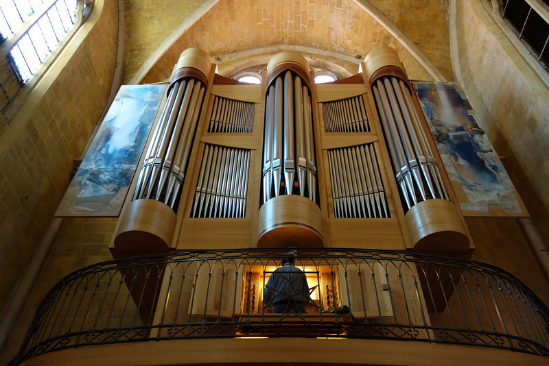 Stopped in to a church where a man was playing the pipe organ.  It was beautiful.