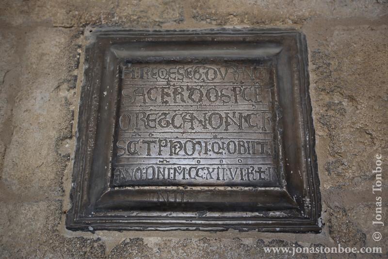 Cloître Saint-Trophime