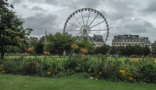 We have talked about watching the Tour de France arrive in Paris from this Ferris Wheel for 3 years.  We were three weeks early, but we found a different good reason to take a ride.