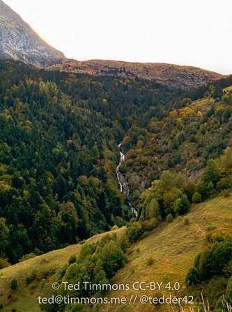 Rif Garcin waterfall from the La Grenoniere climb.