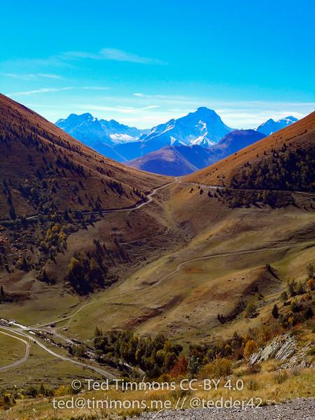 Narrow valley on Sarenne.