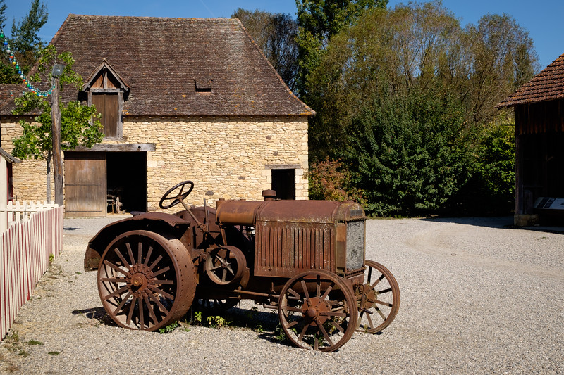old_tractor-1297