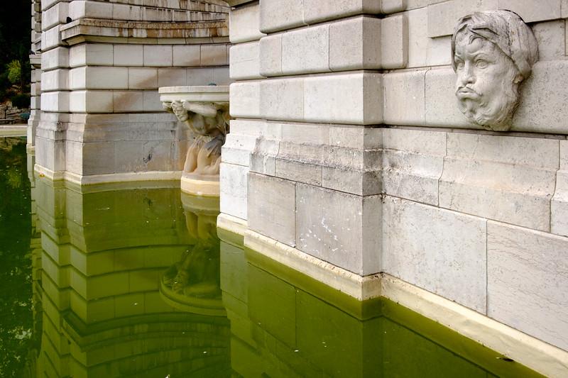 fountain_montmartre-2472
