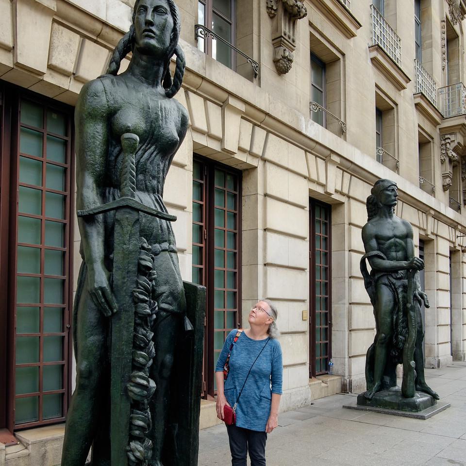 rita+statue-2423