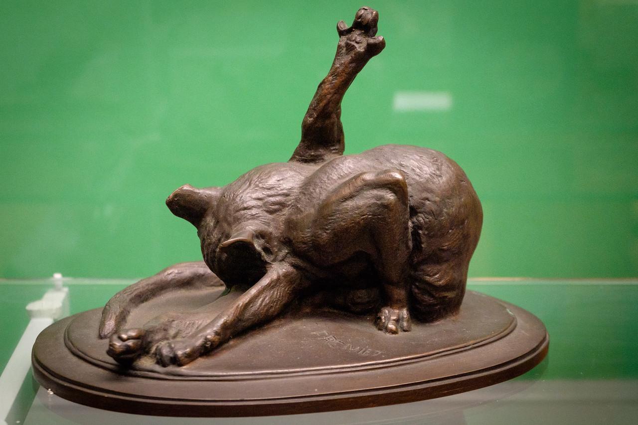 bronze_cat-1084
