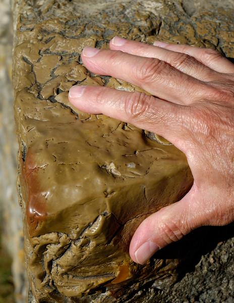 stone+hand-2314
