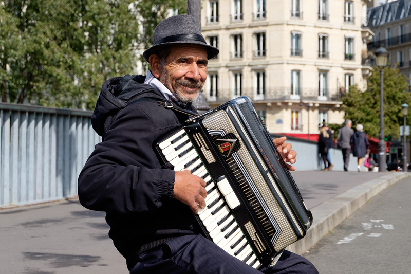 accordion_player-0973