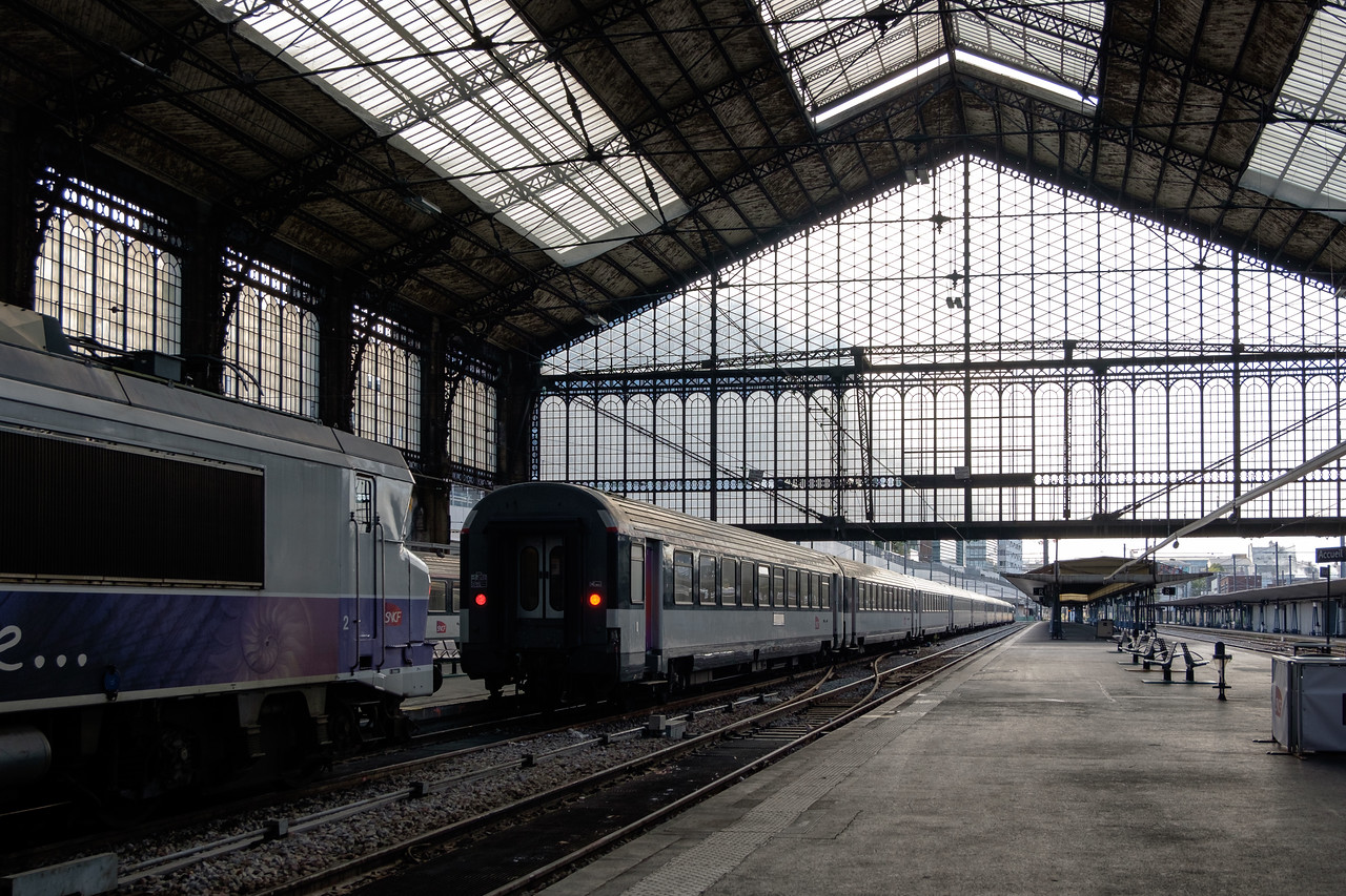 trains-1008