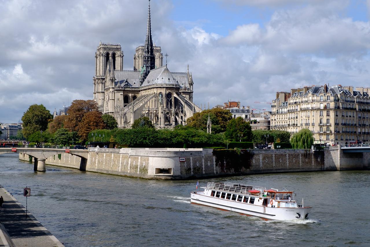 notre-dame+boat-0967