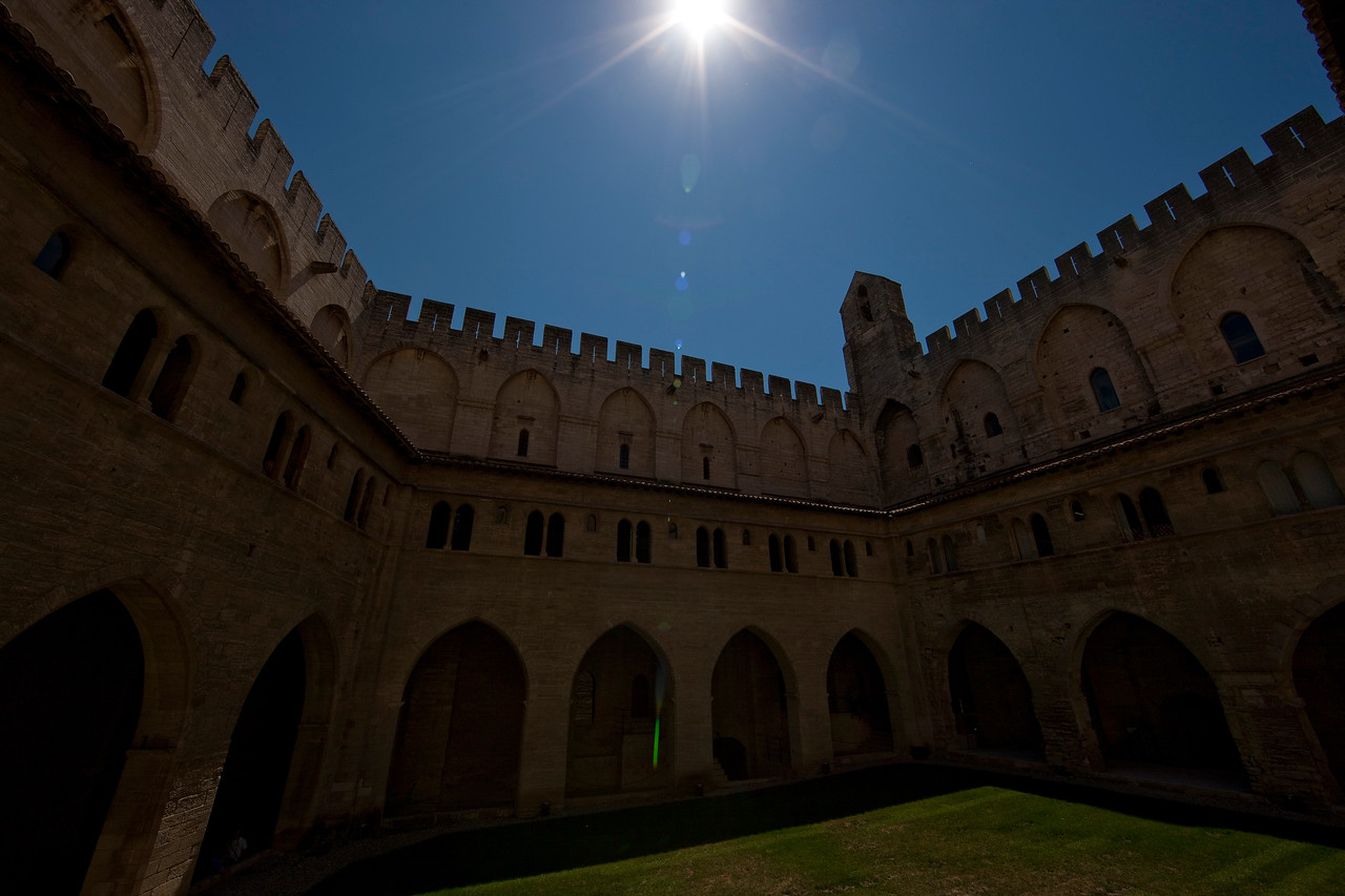 The courtyard in the popes' palace.