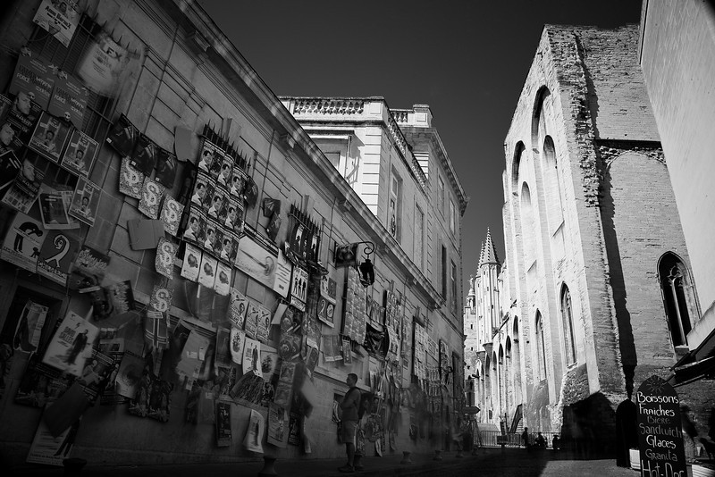 A time-lapse shot in a windy alley outside the popes' palace. There were lots of people milling about, but they're mainly reduced to blurs. You can still see me trying to stand very still, though.