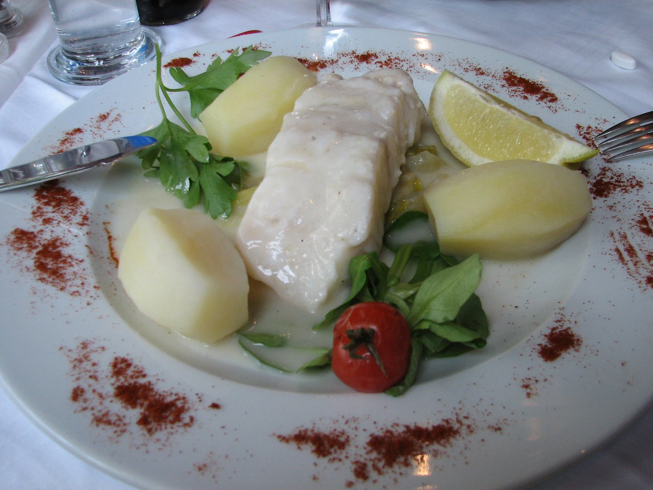 Plat du jour:  the dish of the day.<br /> <br /> El plato del dia.