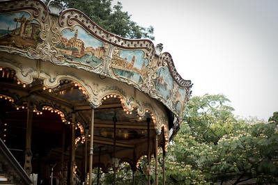 The Merry Go Round in front of Sacre Coeur in Montemartre
