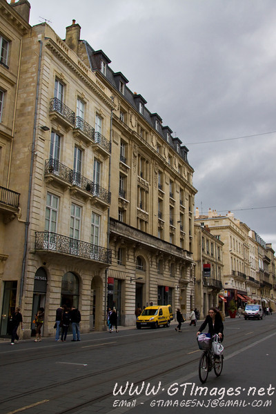 Bordeaux - One of the many old buildings.