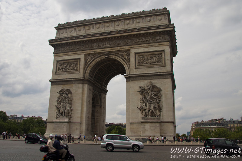 Paris - Arc de Triomphe. An impressive structure.
