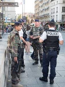 Might have been these guys who dealt with the car bomb in front of Notre Dame a few days later.