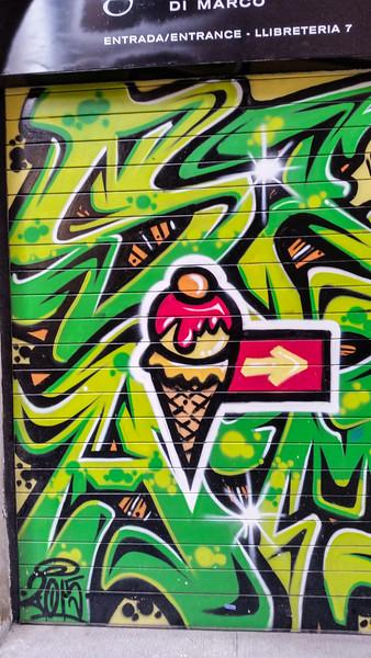 Spain-Barcalona-Graffiti-14
