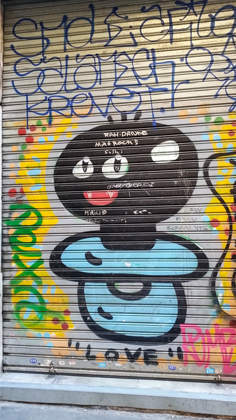 Spain-Barcalona-Graffiti-8