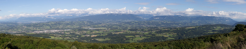 The Massif des Bornes and Annecy (left), Le Semnoz (center), and the Massif des Bauges (right), viewed from Le Clergeon