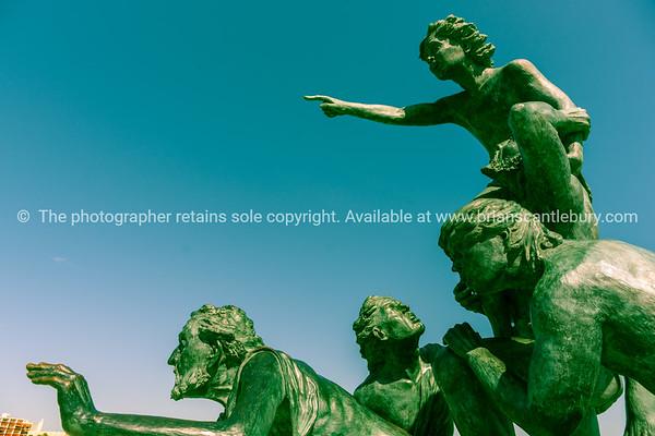 L'Espoir monumental sculpture in Palavas-les Flots