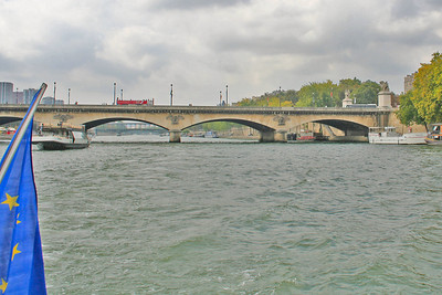 Cruising away from the Pont d'Léna - we boarded the cruise boat next to this bridge.