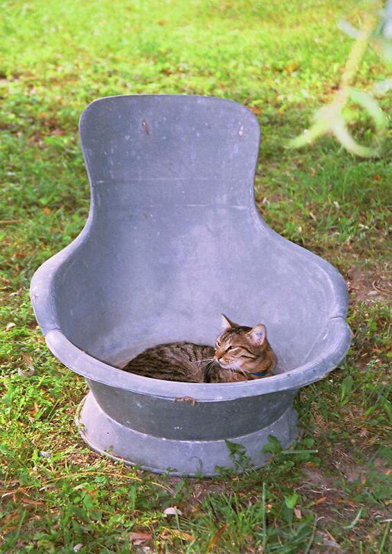 Provencal Tub