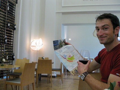 Andrew learns about the area's wineries, while sampling a 2010 Margaux (chateau mille roses) €6. Very full bodied. Very good. http://baravin.bordeaux.com/