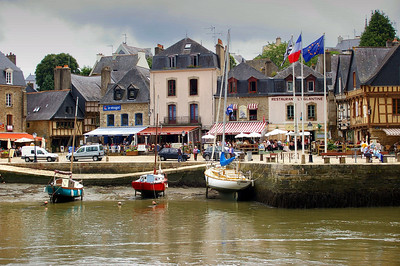 View of St-Goustan from across the river on the Auray side