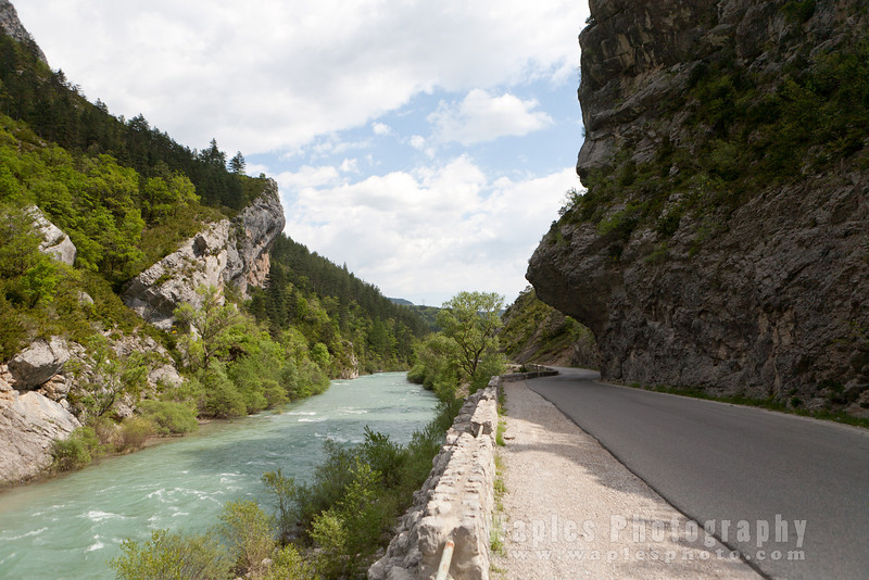 Along the Verdon on D952