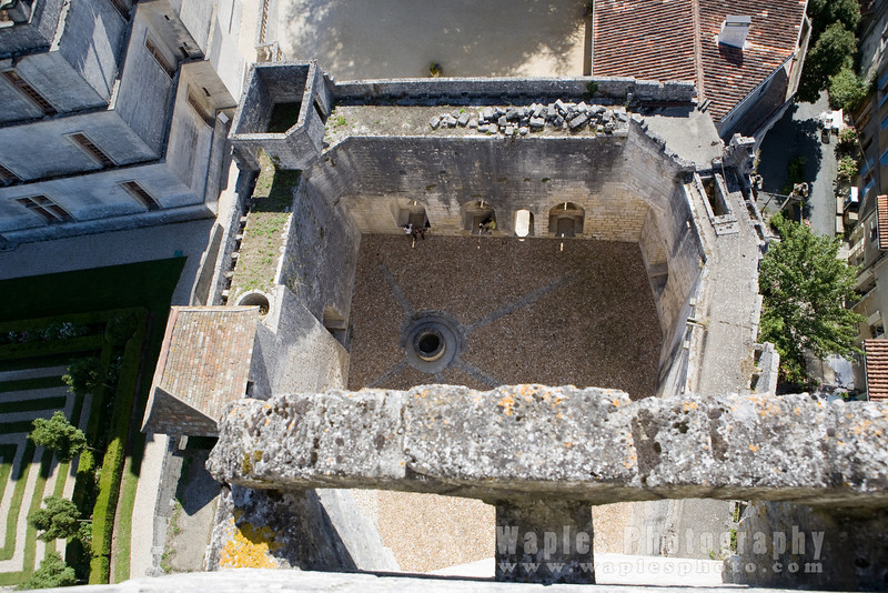 Dunjon Courtyard