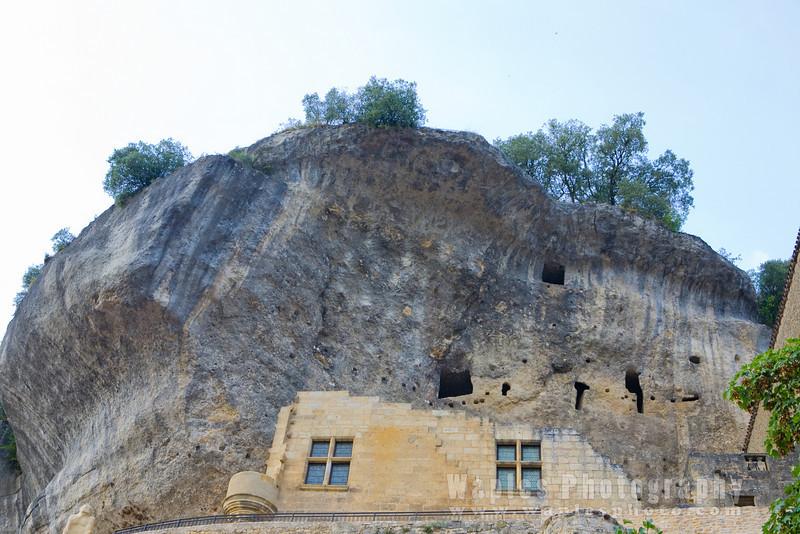 Les Eyzies Caves where Cro-Magnon remains where found