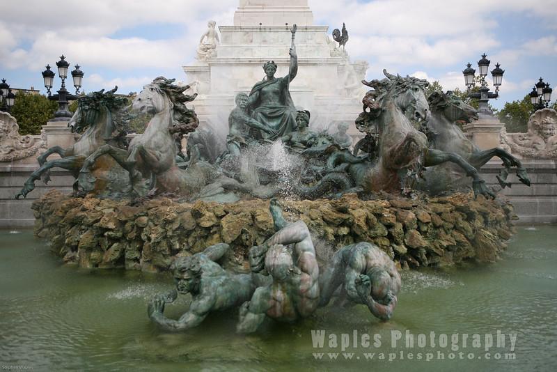 Fountain at Places des Quinconces