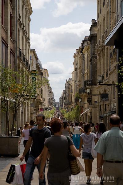 Walking in Bordeaux