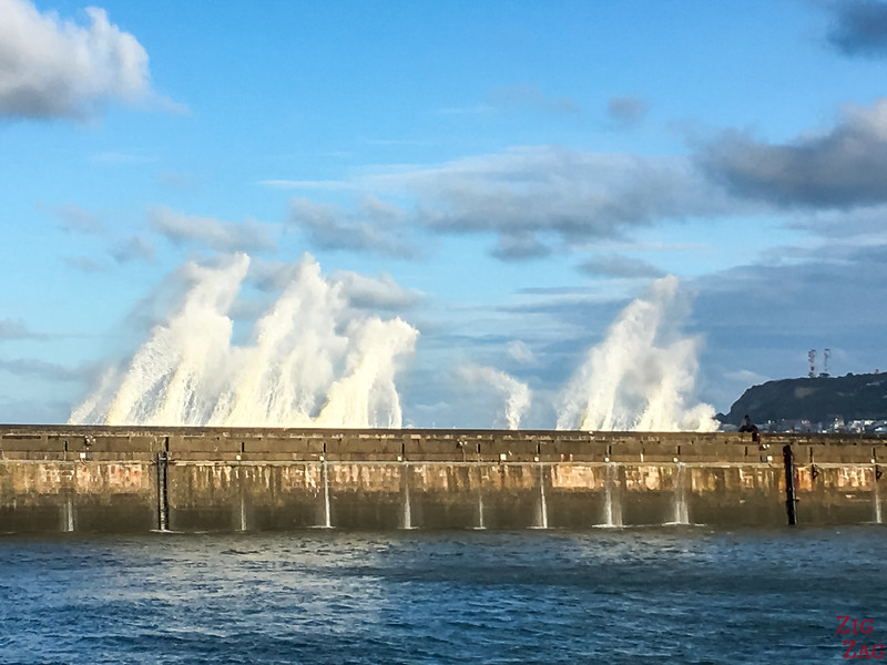 Le Havre waves