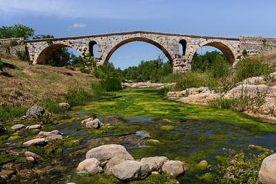 Pont Julien, Bonneiux