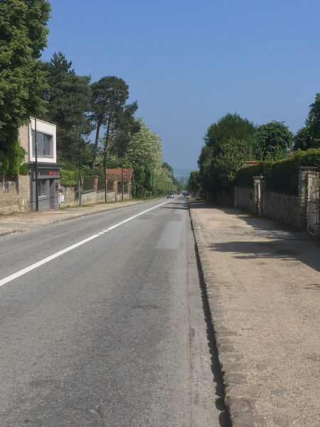 The straight, steady 2 mile incline from the train station to the town is pleasant if its not too hot.