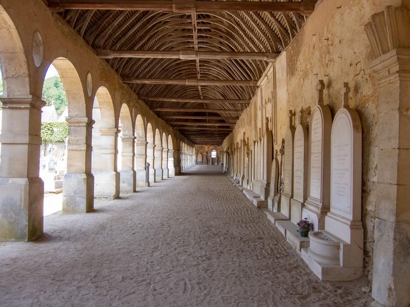 Montfort l'Amaury Cemetery arcade.