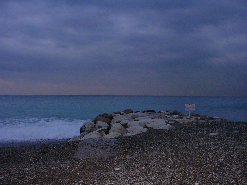 Seashore at Nice.  Unfotunatly, it was raining.