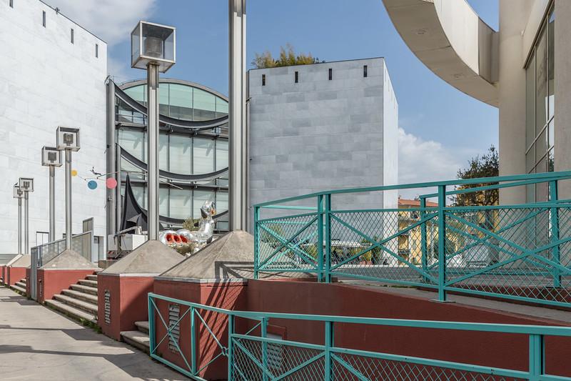 Museum of modern art (MAMAC) Musée d'art moderne et d'art contemporain