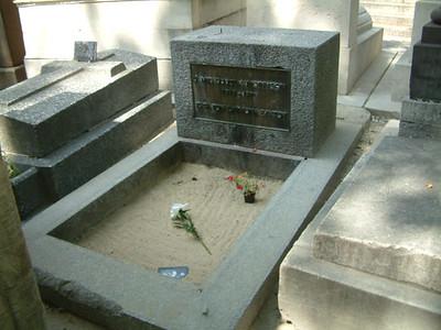Jim Morrison- complete grave