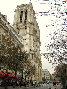 Julie's decision to visit the Archaeological Crypt of the Paris Notre-Dame was a good one (located through an inconspicuous stairwell across the grounds in front of the church) - an interesting, well-done exhibit.