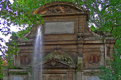 Medici Fountain - from street