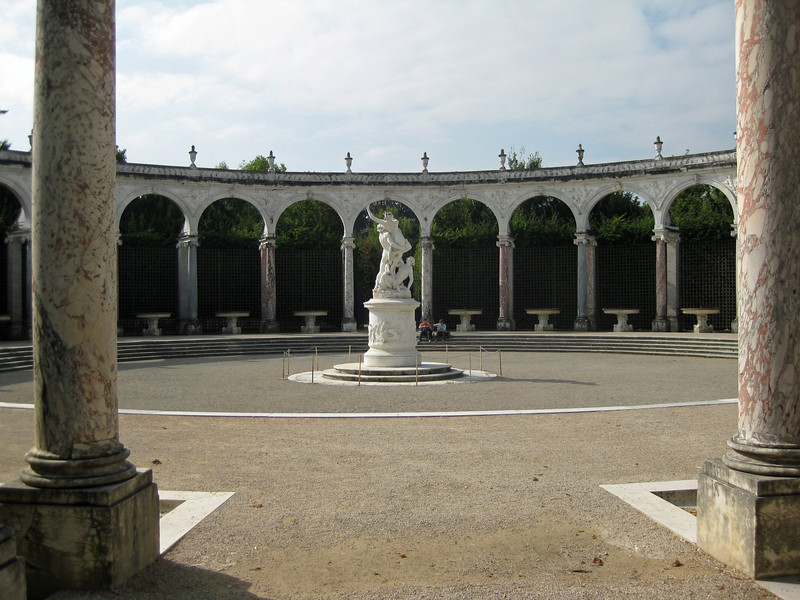The Colonnade 2009-09-18_12-03-15