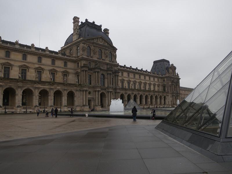 Cour Napoleon<br /> Paris - 2013-01-10 at 10-48-05