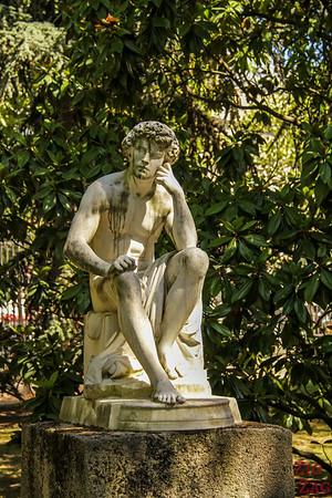 Luxembourg Garden Paris - statue 1