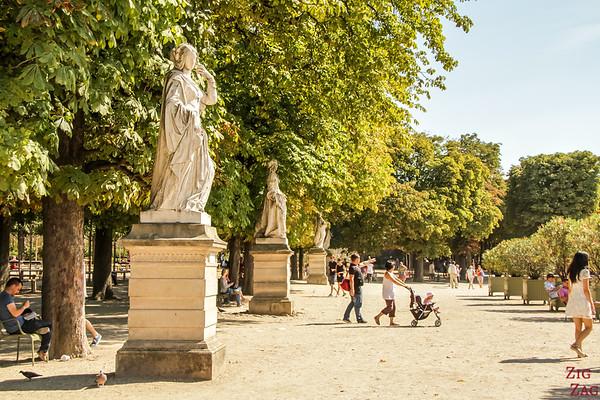 Luxembourg Gardens Paris - statue 7