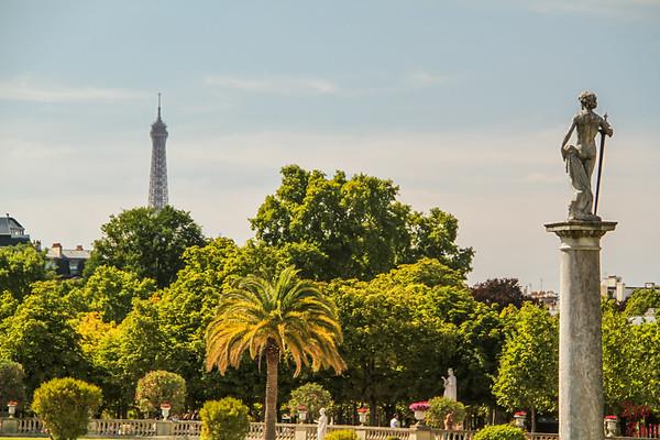 Luxembourg Gardens Paris - statue 8